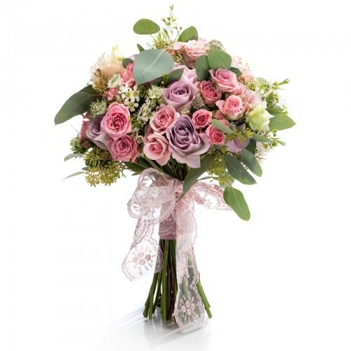 Buchet mireasa trandafiri lila si astrantia