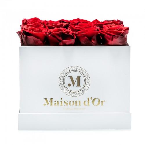 Cutie 17 trandafiri criogenati rosii