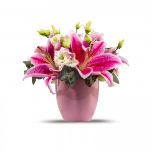 Aranjament floral crin roz si lisianthus