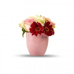 Aranjament floral frezii si trandafiri roz