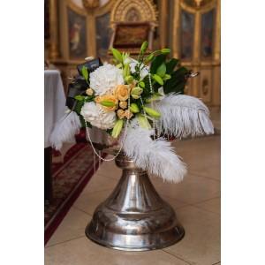 Aranjament floral cristelnita hortensie si crini