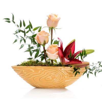 Aranjament floral business cu trandafiri si crin