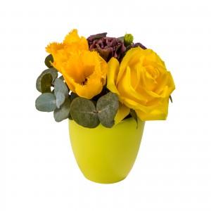 Aranjament floral lalele si lisianthus