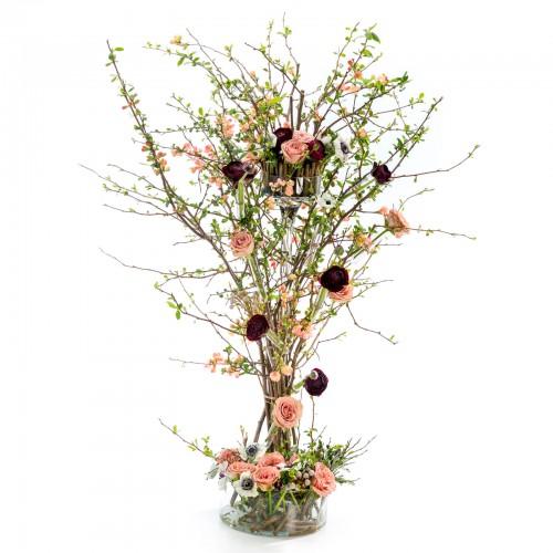 Aranjament floral de nunta din anemone, trandafiri