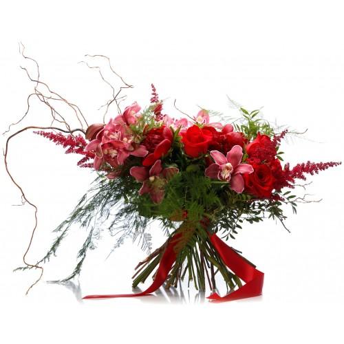 Buchet trandafiri rosii si bujor grena