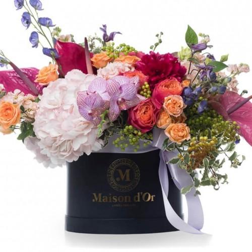 Colectia Desire - Cutie cu bujori grena,matthiola si orhidee