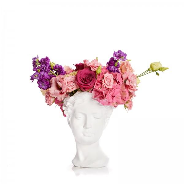 Aranjament cu hortensie si lisiantus in vaza statuie femeie