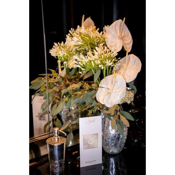 Aranjament floral anthurium alb