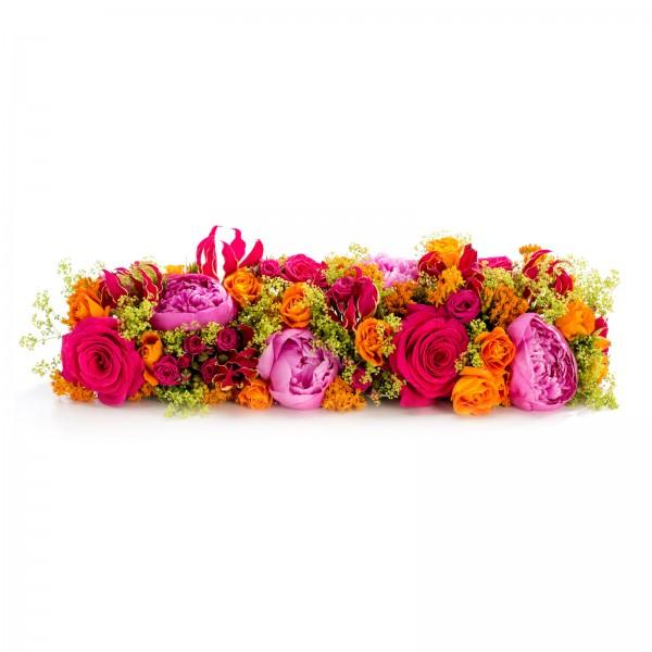 Aranjament prezidiu din trandafiri cyclam si bujori roz