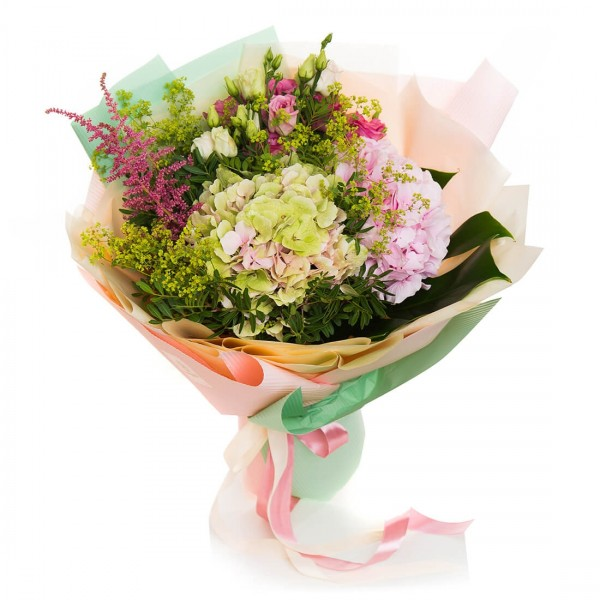 Buchet de flori hortensie, lisianthus si astilbe roz