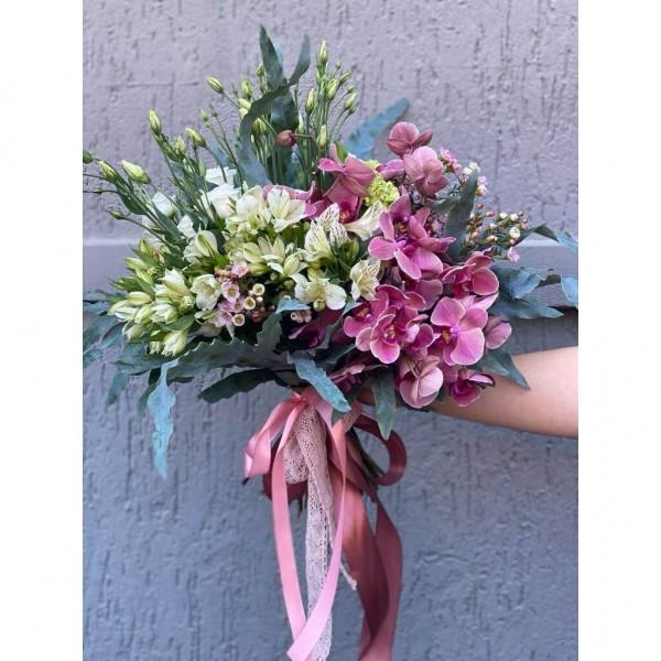 Buchet De Flori cu Phalaenopsis si Alstroemeria
