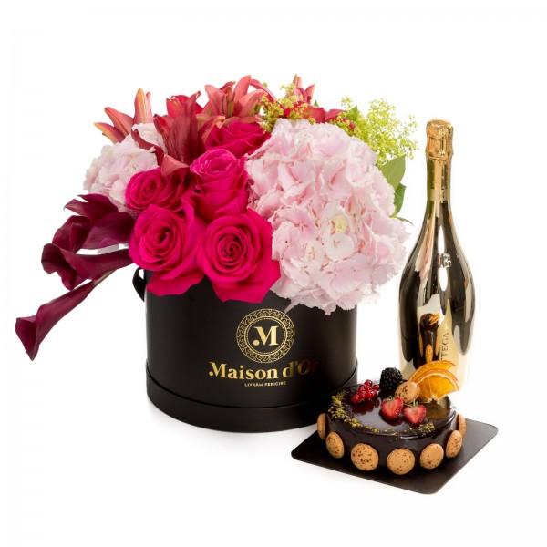 Aranjament floral din trandafiri, hortensii, cale, crini-colectia desire