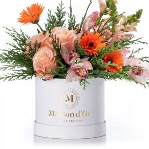 Aranjament floral cu trandafiri, Antirrhinum si cymbidium