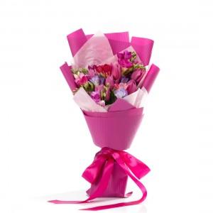 Buchet lalele si frezii roz