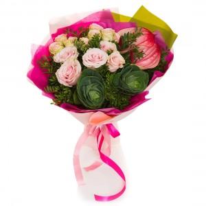 Buchet de flori anthurium si trandafiri roz
