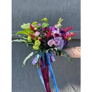 Buchet de flori cu hortensie, trandafiri si astilbe