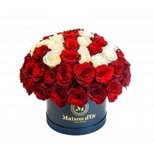 Cutie cu 69 de trandafiri
