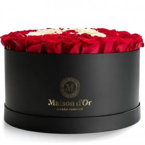 Cutie gigant cu 89 trandafiriri rosii si albi