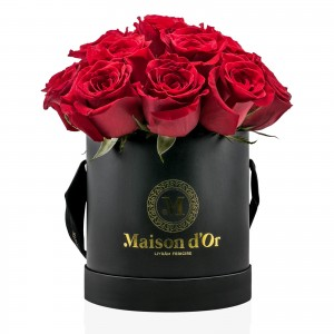 Cutie neagra 15 trandafiri rosii