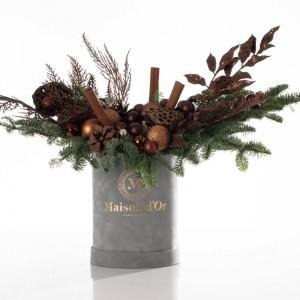 Cutie din catifea cu brad natural, globuri si accesorii uscate - Colectia de Craciun