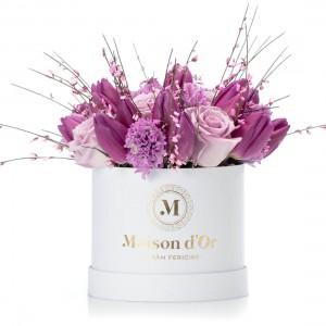 Cutie cu zambile, lalele si trandafiri lila