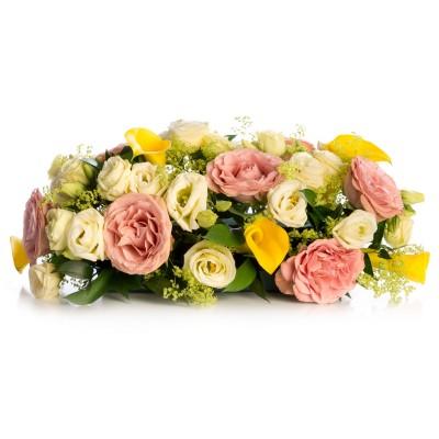 Aranjament floral prezidiu din trandafiri si cale
