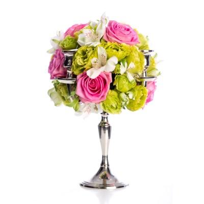 Aranjament floral de nunta din lisianthus, trandafiri