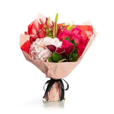 Buchet trandafiri ciclamen si calla mov