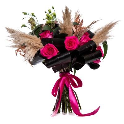 Buchet de toamna cu trandafiri ciclam si brassica
