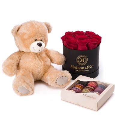 Cutie cu 9 trandafiri rosii, cutie 12 macarons si ursulet