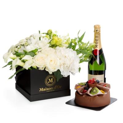 Aranjament floral din trandafiri, hortensii, alstroemeria-colectia desire