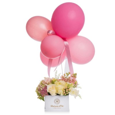 Cutie cu hortensie,matthiola si lisianthus si baloane