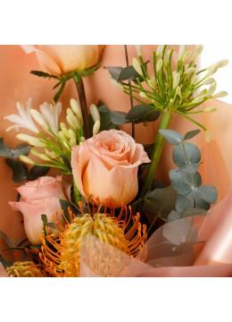 "Buchet de flori ""Peach perfection"""
