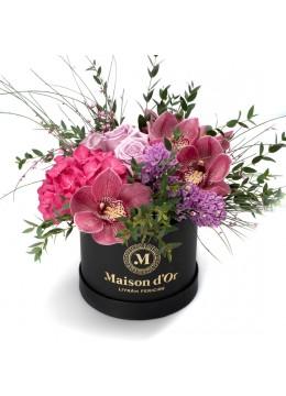 Cutie cu hortensie, trandafiri si zambile