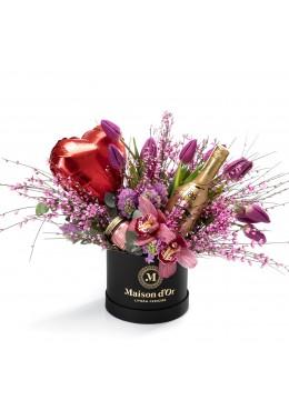 Cutie cu lalele, zambile, Baileys Chocolate Luxe si lumanare