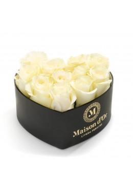 Cutie inima 9 trandafiri albi