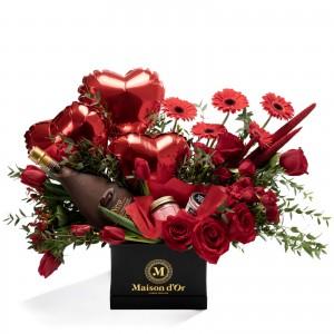 Cutie cu trandafiri rosii, lalele si minirosa
