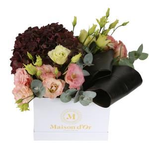 Cutie cu lisianthus si hortensie