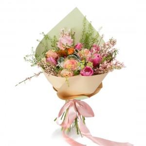 Buchet cu lalele, brassica, trandafiri si minirosa