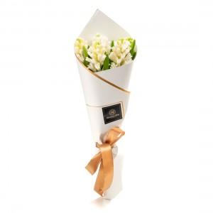 Buchet de flori cu 5 zambile