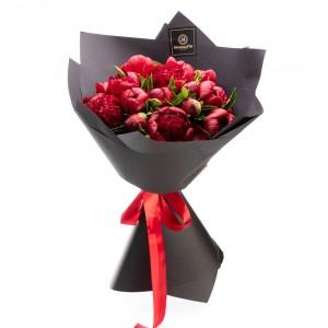 Buchet de flori cu bujori Burgundy