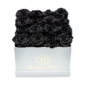 Cutie 17 trandafiri criogenati negri