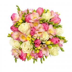 Cutie trandafiri si frezii