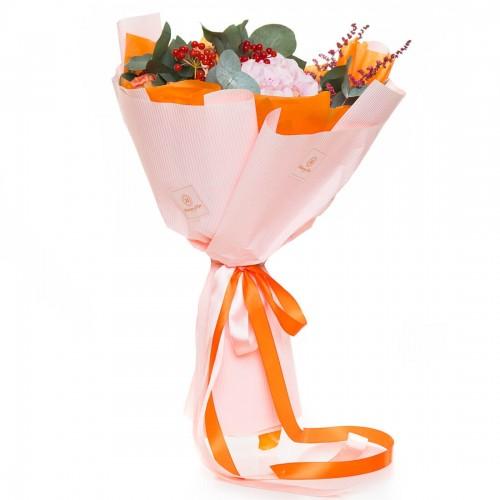 Buchet de flori hortensie si minirosa