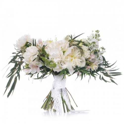 Buchet de mireasa hortensie alba si bujori albi