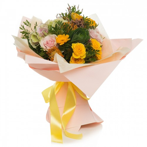 Bouquet of pink hydrangea flowers and yellow mini rose