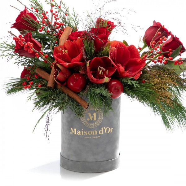 Box with amaryllis, fir and red roses - Christmas Collection