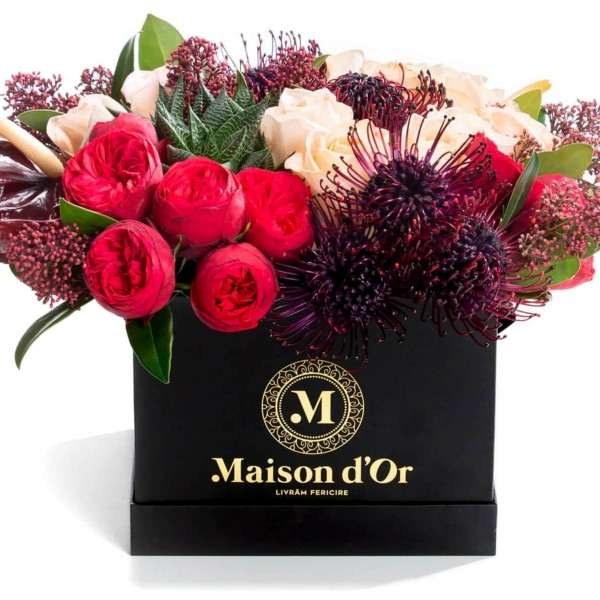 Box with roses and anthurium