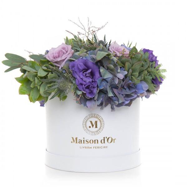 Aranjament floral cu trandafiri si lisianthus