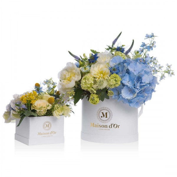 Floral arrangements in shades of blue Mother-Daughter